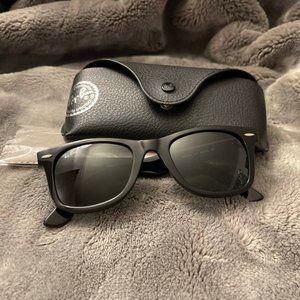 RB2140 WAYFARER sunglasses 52mm Authentic NWT